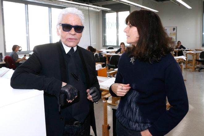 Karl Lagerfeld s Virginií Viard v ateliérech Lesage, únor 2014