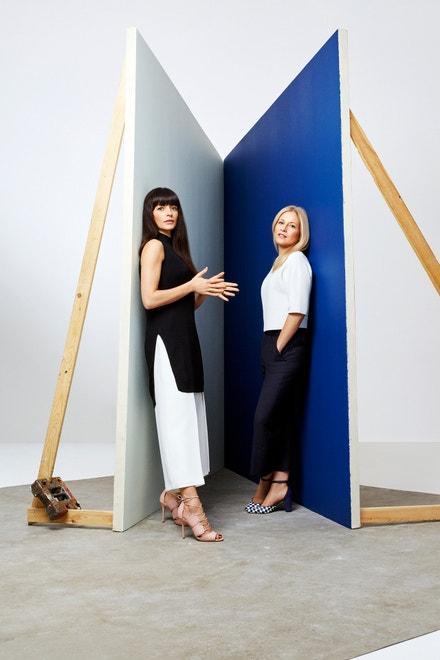 Bionda Castana/Natalia Barbieri (vlevo) a Jennifer Portman