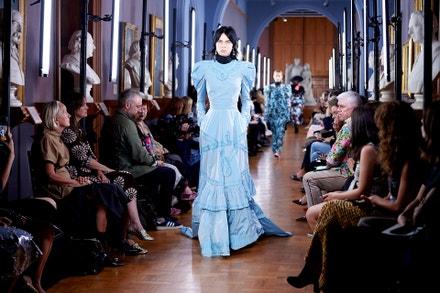 Přehlídka kolekce Erdem, jaro/léto 2019, London Fashion Week, září 2018