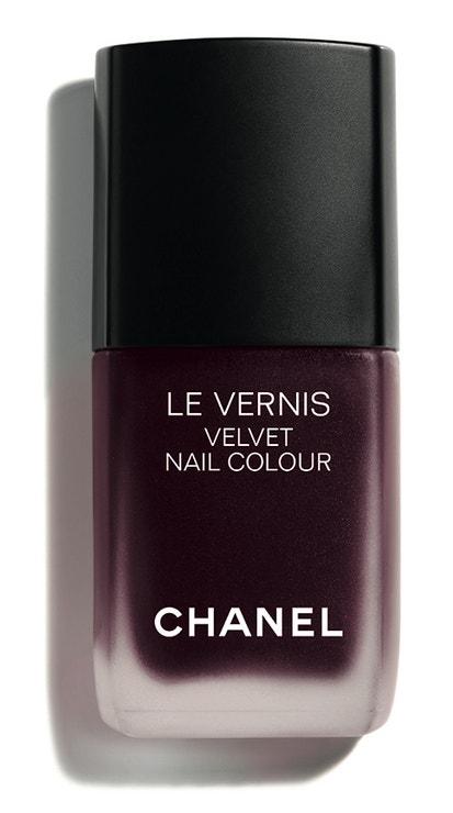 Matný lak na nehty v odstínu Profondeur, Chanel, 720 Kč