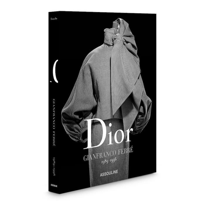 Kniha Dior by Gianfranco Ferré, vydává Assouline
