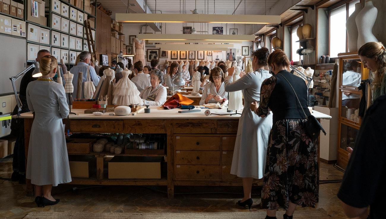 Léna Situations na návštěvě v haute couture ateliérech Dior
