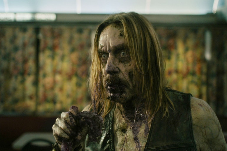Iggy Pop ve filmu Mrtví neumírají