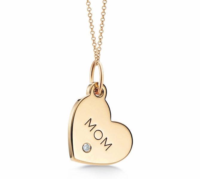 Zlatý přívěsek s diamantem, Tiffany & Co., 15 600 Kč
