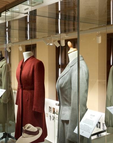 O čem snily ženy. Šaty Podolské, které nosily filmové hvězdy, můžete vidět do května