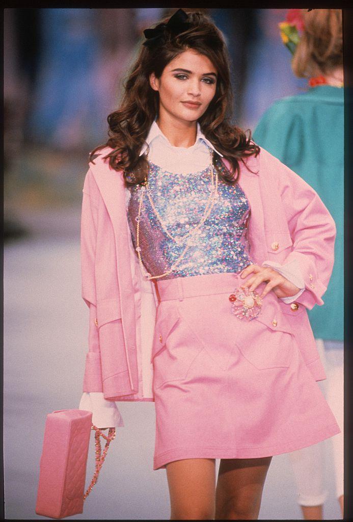 Helena Christensen na přehlídce Chanel jaro - léto 1993         Autor: Getty Images