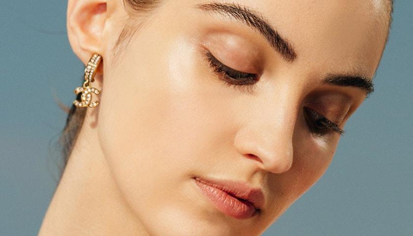 Univerzální letní make-up pro všechny odstíny pleti ve francouzském stylu