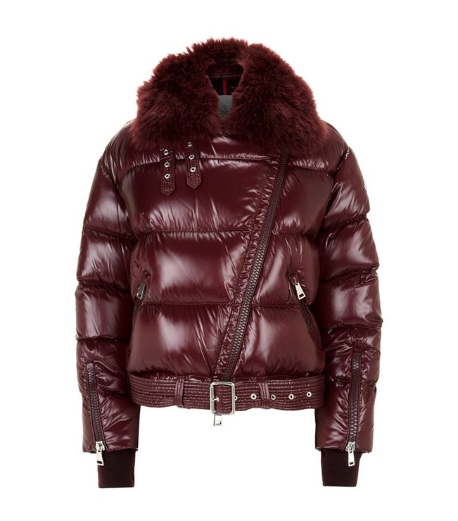 Péřová bunda do pasu, Moncler, 1 570 €