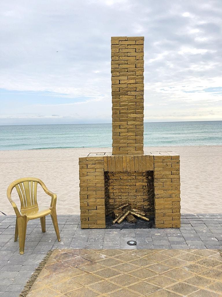 Faena, umělecká instalace  na pláži