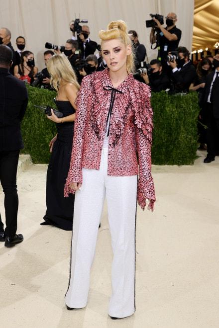 Kristen Stewart v Chanel