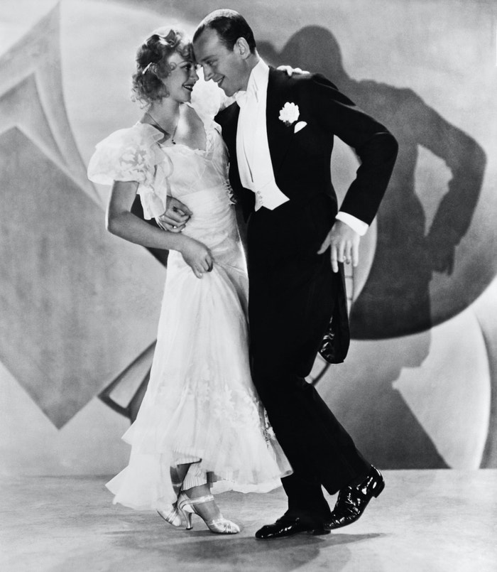 Ginger Rogers a Fred Astaire ve filmu Letíme do Ria, 1933        Autor: Getty Images