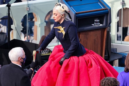 Lady Gaga na inauguraci amerického prezidenta Joea Bidena