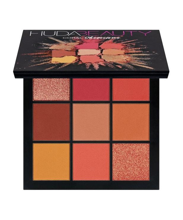 Coral obsession Palette, Huda Beauty, prodává Sephora, 770 Kč