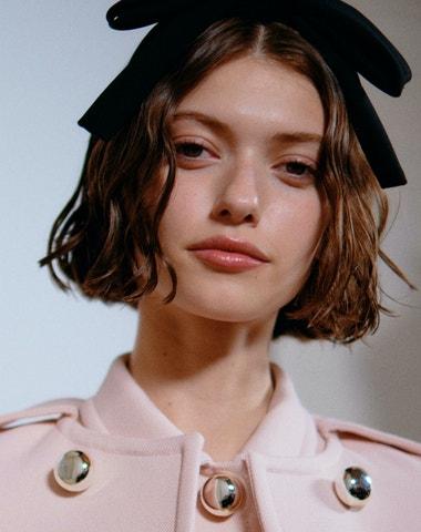 Nejhezčí make-up pařížského fashion weeku je zářivá pleť