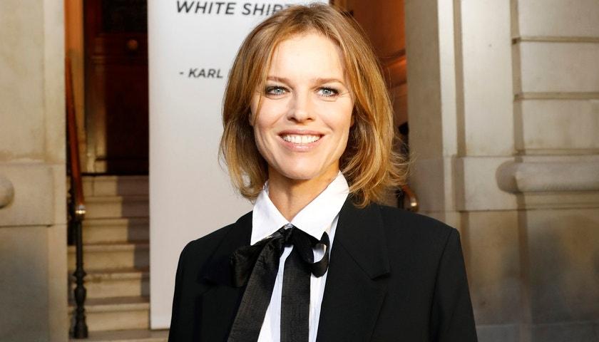 Exkluzivně: Eva Herzigová navrhla košili pro značku Karl Lagerfeld