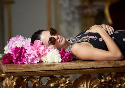 Kendall Jenner na focení kampaně Giambattista Valli x H&M