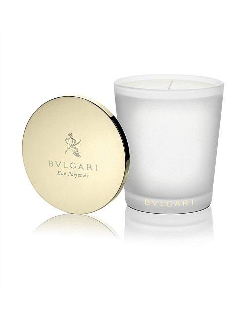 Vonná svíčka Eau Parfumée au thé blanc, Bulgari, prodává FAnn, 2525 Kč
