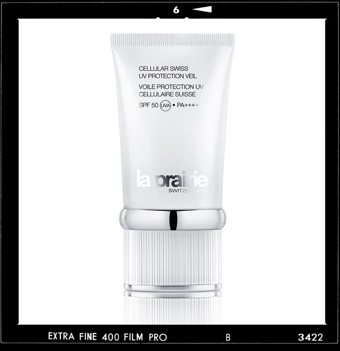 Krém s ultralehkou texturou Cellular Swiss UV Protection Veil SPF 50, LA PRAIRIE, prodává Fann, 5490 Kč Autor: Archiv značky