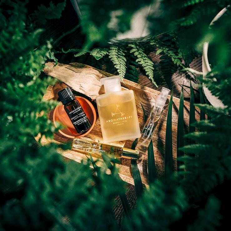 Řada Forest Therepy, AROMATHERAPY ASSOCIATES, prodává Mandarin Orientel Prague