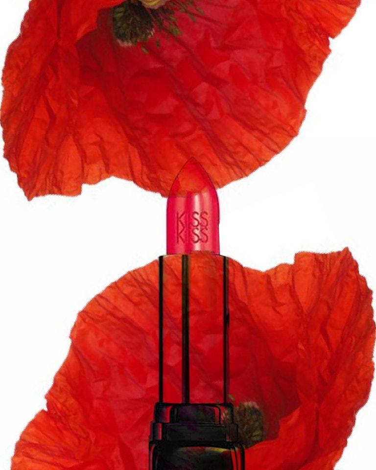 Rtěnka Kiss Kiss v odstínu 329 Poppy Red, GUERLAIN, prodává Fann, 1160 Kč