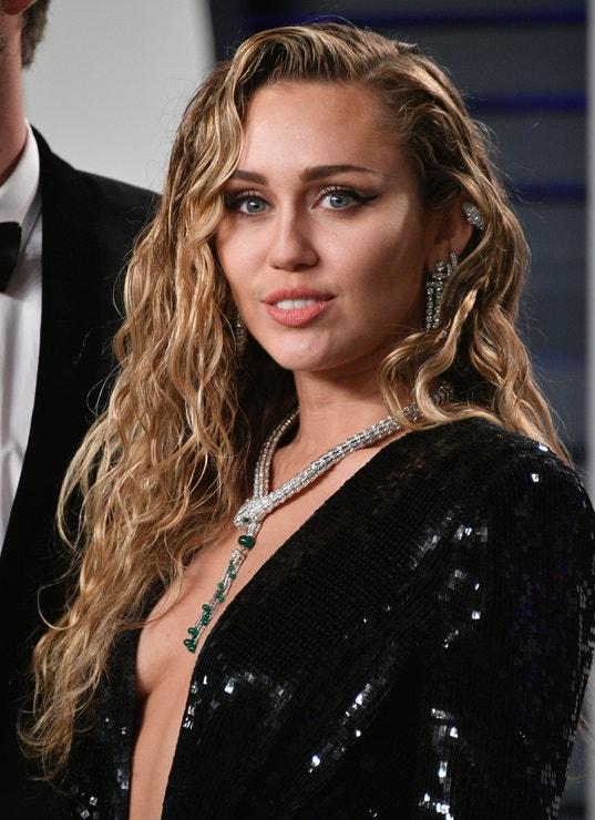 Miley Cyrus na Vanity Fair Oscar Party, 2019