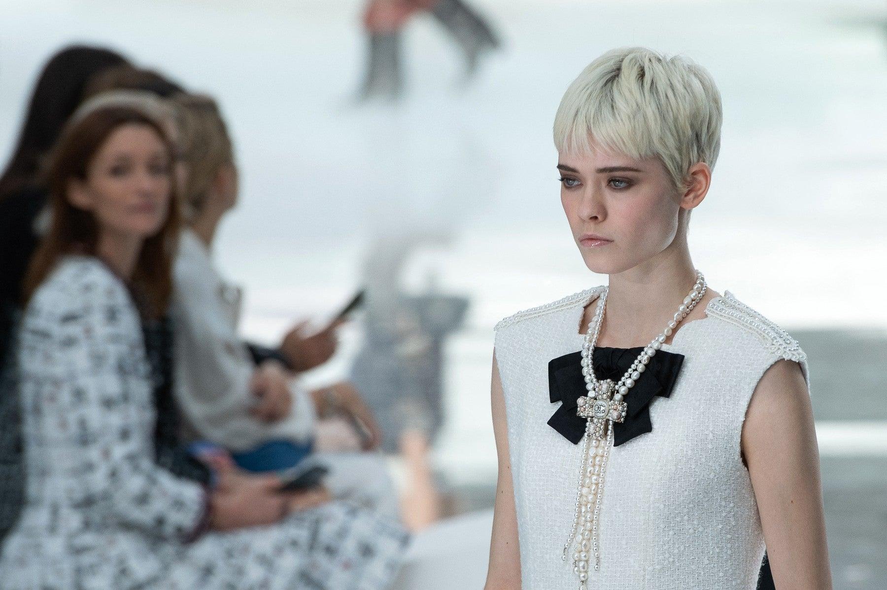Maike Inga na přehlídce Chanel podzim - zima 2020/2021          Autor: Profimedia.cz