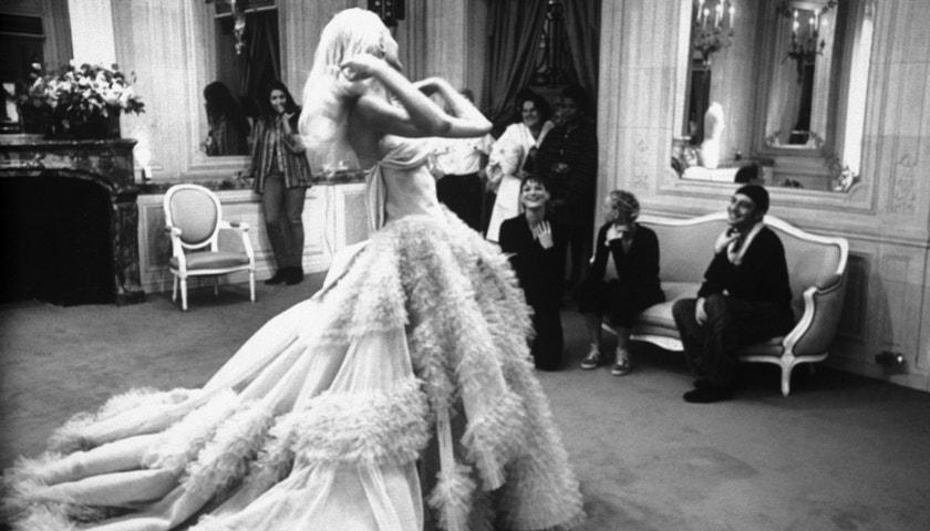 Nejkrásnější svatební šaty z přehlídkových mol