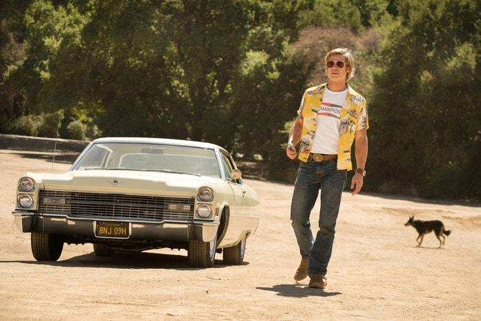 Tenkrát v Hollywoodu (Once Upon a Time in Hollywood/2019): Po květnovém uvedení v Cannes následovaly ovace vestoje i nadšené reakce kritiků. Od té doby už byla uvedena i prodloužená verze, která obsahuje 10 minut nových záběrů a film se tak stále udržuje v povědomí diváků. Quentin Tarantino, který dosud Oscara nezískal, aspiruje na ocenění za nejlepší režii. A očekává se, že Leonardo DiCaprio, Brad Pitt a Margot Robbie získají herecké nominace. Autor: Once Upon a Time in Hollywood, Sony Pictures Releasing/The Hollywood Archive