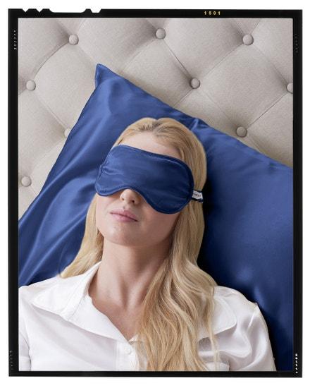 Hedvábná relaxační maska, tmavě modrá, LOVESILK, prodává LOVESILK