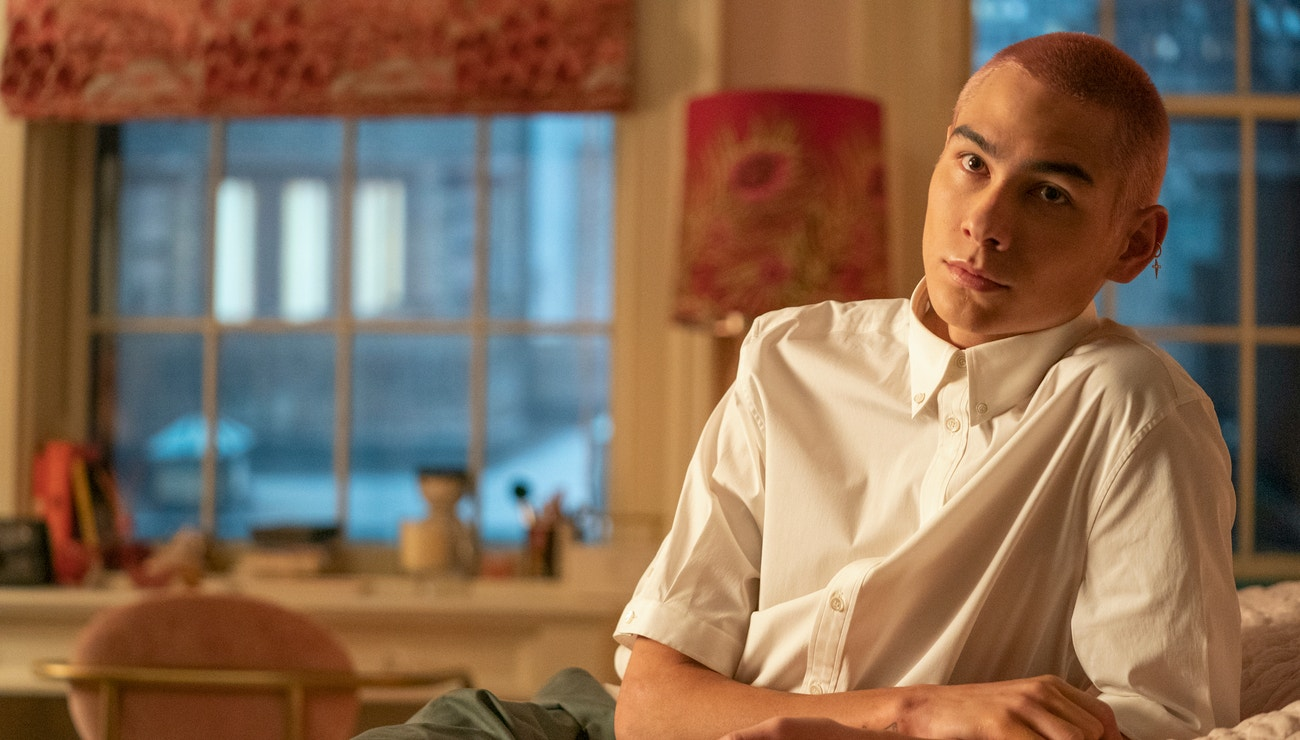 Evan Mock z Gossip Girl odhaluje skincare rutinu o dvou krocích