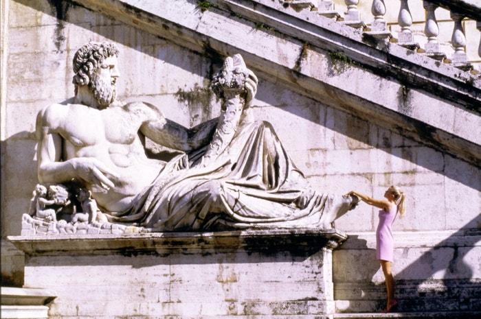 Claudia Schiffer zachycená Arthurem Elgortem v roce 1994