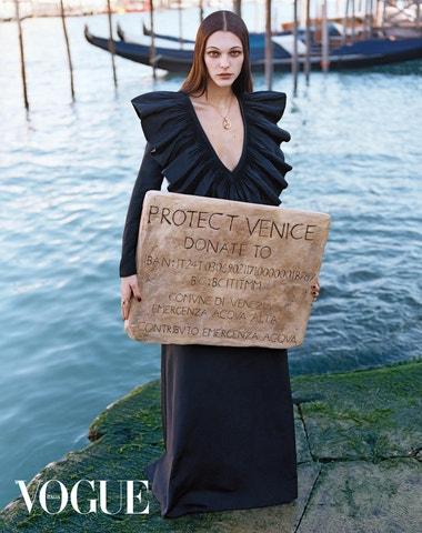 Zachraňme Benátky, vyzývá italská Vogue