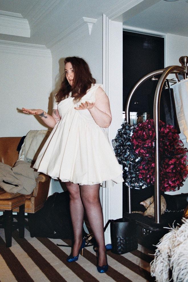 Lena Dunham na fittingu.