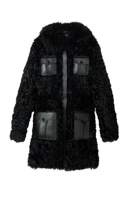Kožíšek s koženými aplikacemi, Longchamp, 2 850 €  Autor: Archiv značky