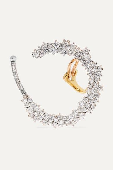 Allison 18-karat Gold Diamond Ear Cuff, Ana Khouri, prodává Net-a-Porter, 14 343 €  Autor: Archiv značky