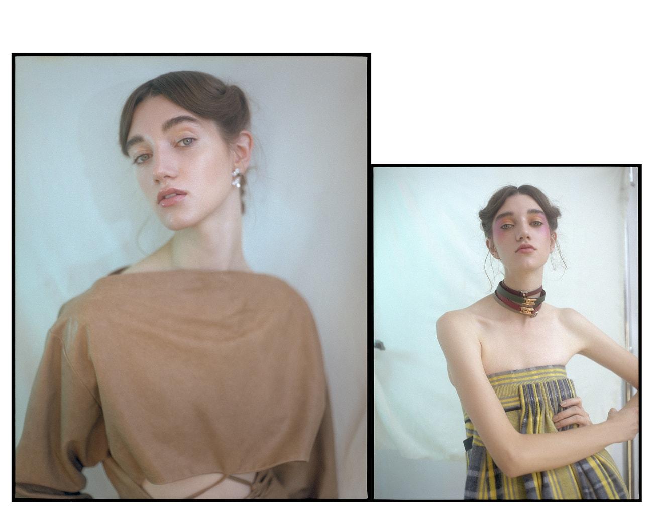 """Vlevo: Rozjasňující krém s vodní texturou Synchro Skin Illuminator v odstínu Pure Gold, Shiseido, 1050 Kč.  Platinové náušnice s diamanty Paper Flower, Tiffany & Co., 428 000 Kč; kožený kabát, Nehera (prodává Fashion Therapy), 29 900 Kč.  Vpravo: Metalický highlighter Killawatt Foil v odstínu Mimosa Sunrise/Sangria Sunset, Fenty Beauty (od 7. září prodává Sephora), 900 Kč.  Sukně (jako šaty), 62 400 Kč; zelený náramek, 14 400 Kč, červený náramek se zlatou sponou, 14 400 Kč, náramek """"A to Z"""", 11 600 Kč, vše Hermès."""