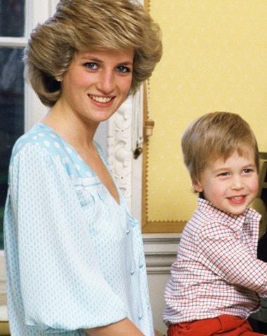 Budoucí král William a princezna Diana na vzácných fotografiích