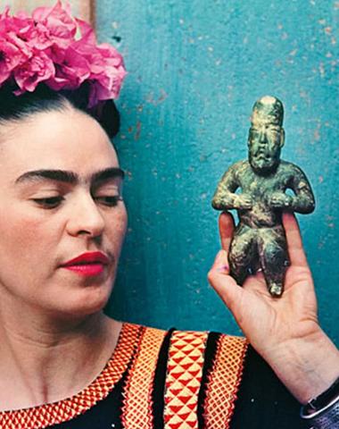 Tajemná a okouzlující beauty rutina Fridy Kahlo