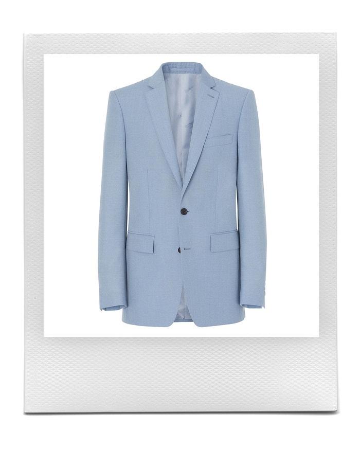 Popelavě modré sako, Burberry, prodává Farfetch, 1 290 € Autor: Farfetch