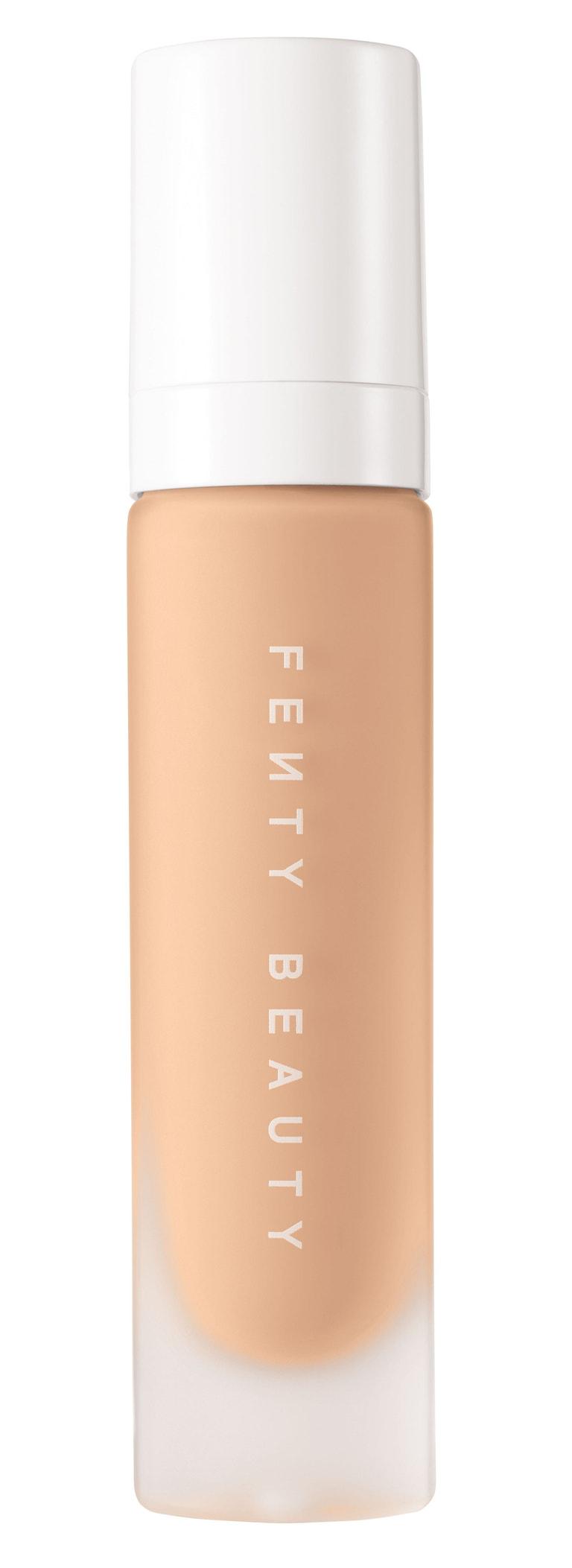 Matující make-up Pro Filt'r Soft Matte Longwear Foundation, Fenty Beauty (prodává Sephora), 860 Kč