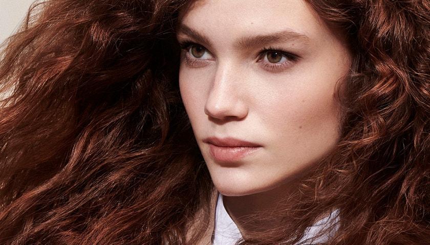 Ikonický vlasový styling mění svou tvář i složení