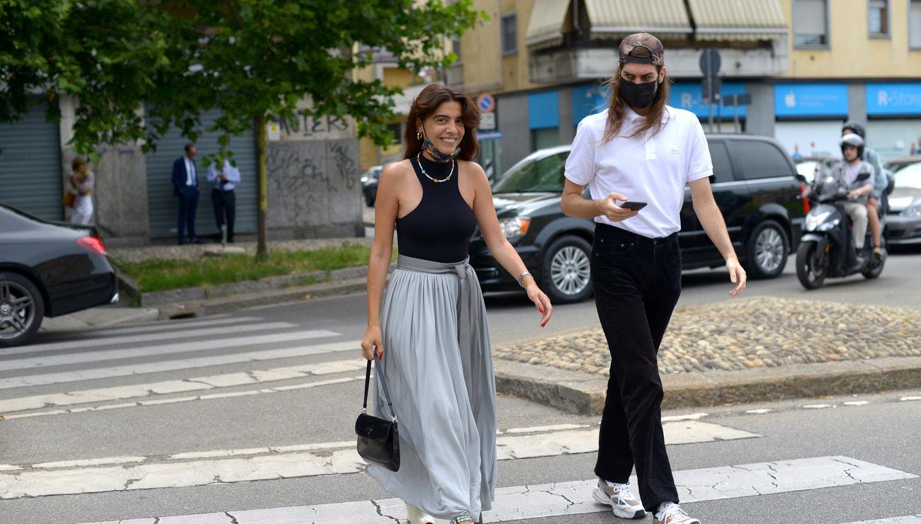 Extrémní horka a oblečení na doma. Street style z fashion weeku v Miláně