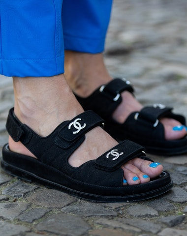 Letní péče o nohy v pěti krocích podle pedikérky hvězd