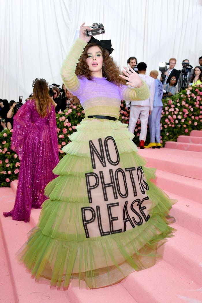 Hailee Steinfeld v šatech Viktor & Rolf Haute Couture           Autor: Getty Images