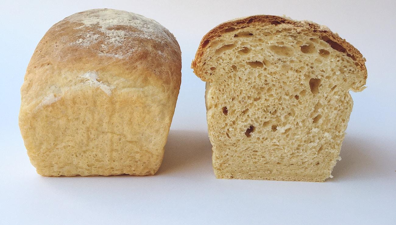Vogue v kuchyni #15: Toastový chléb à la Acne Studios