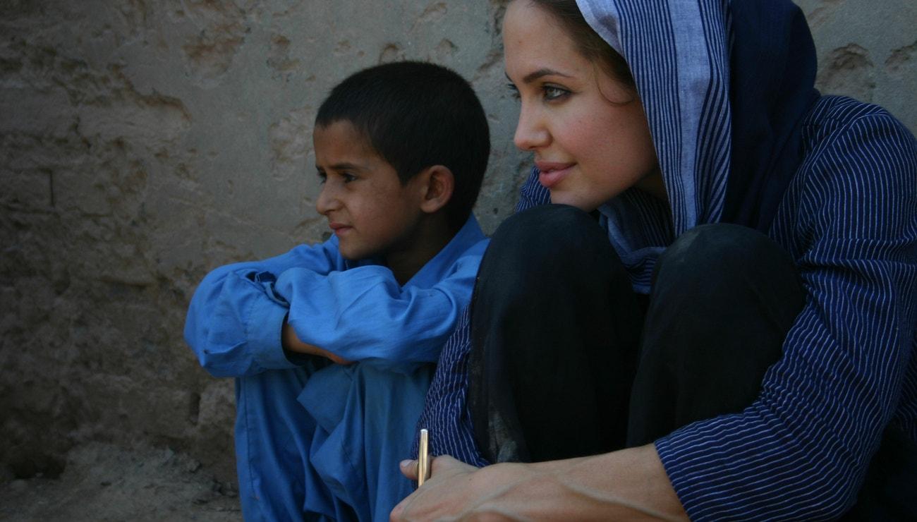 Angelina Jolie o uprchlické krizi, pandemii koronaviru i mateřství