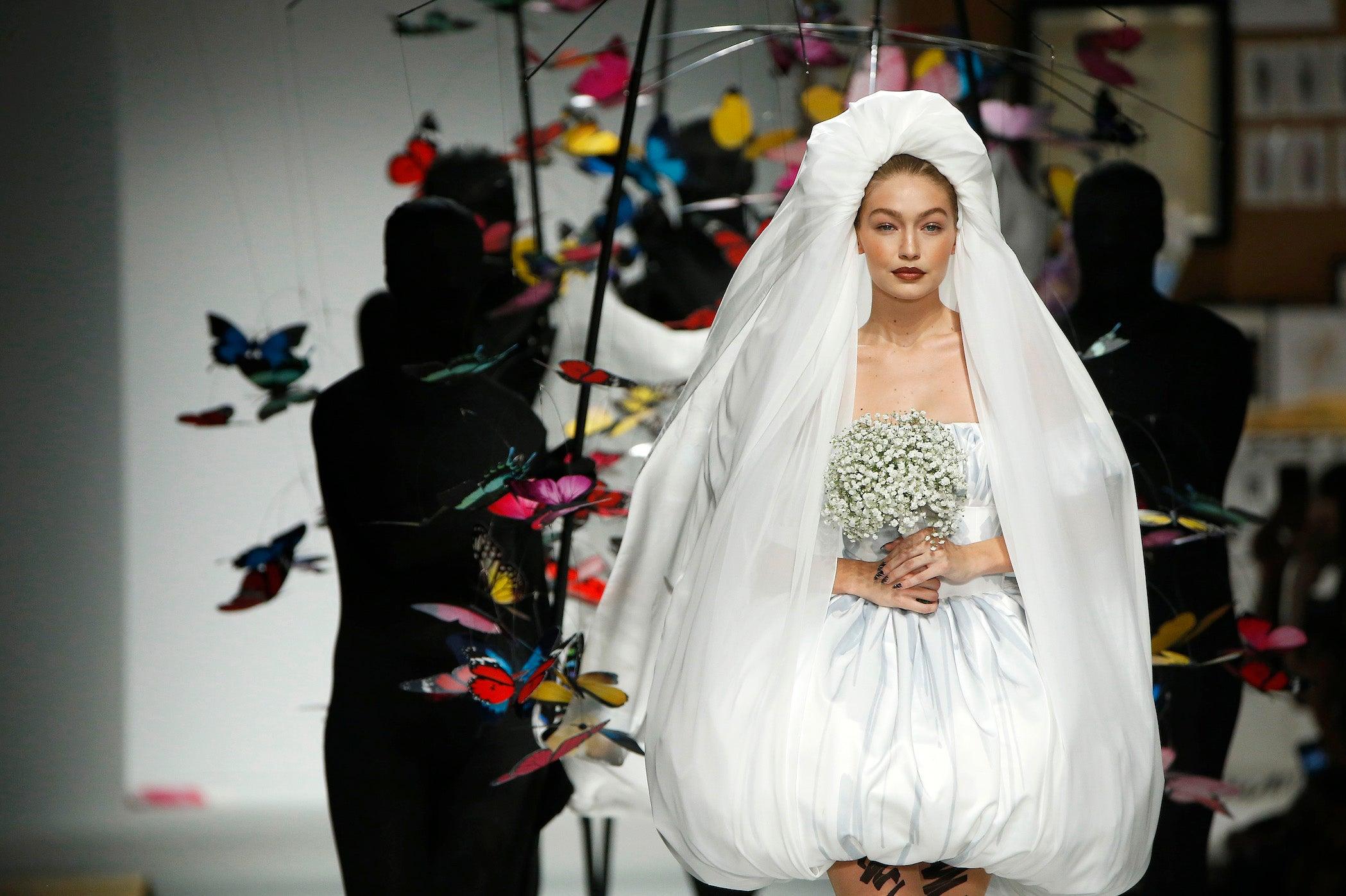 Gigi Hadid na přehlídce Moschino jaro - léto 2019     Autor: Getty Images