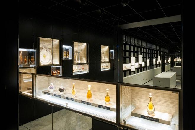 Vintage flakony Dior parfémů