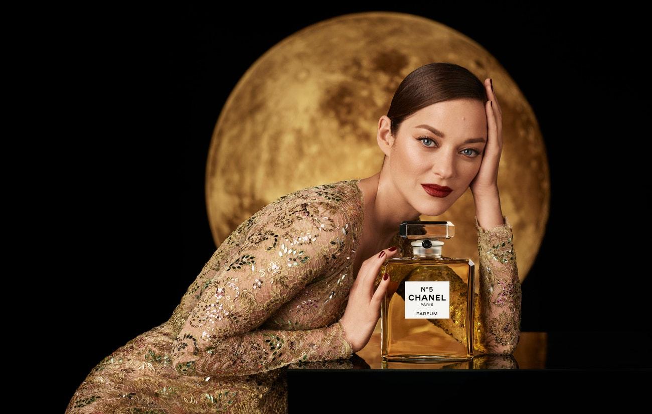 Marion Cotillard v kampani na Chanel No. 5
