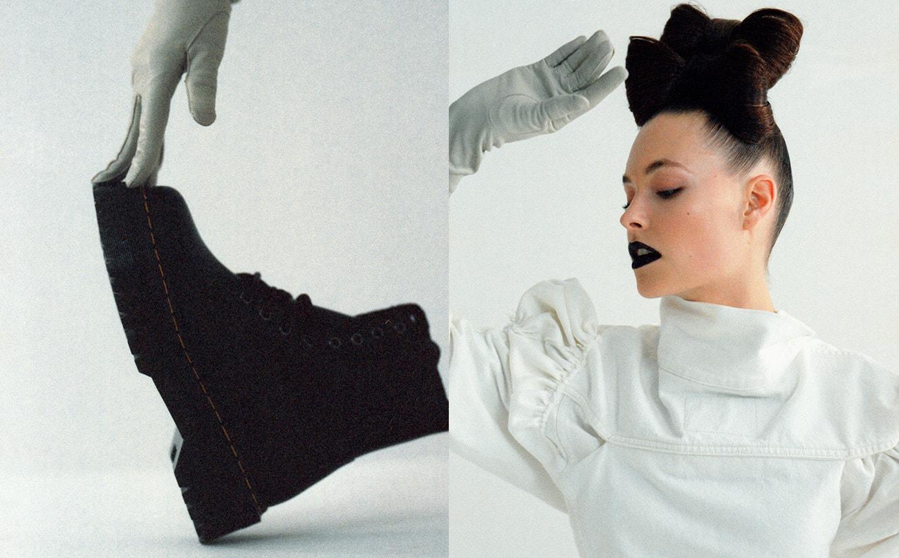 Vlevo: rukavice, Zoltán Tóth x Levi's; boty Jadon Platform, Dr. Martens, prodává Vemzu.  Vpravo: bunda a rukavice, obojí Zoltán Tóth x Levi's.